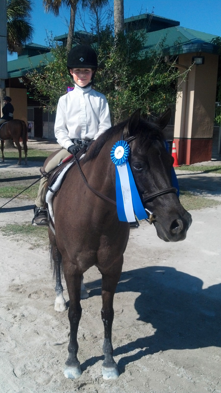 Alexandra wins with her new pony
